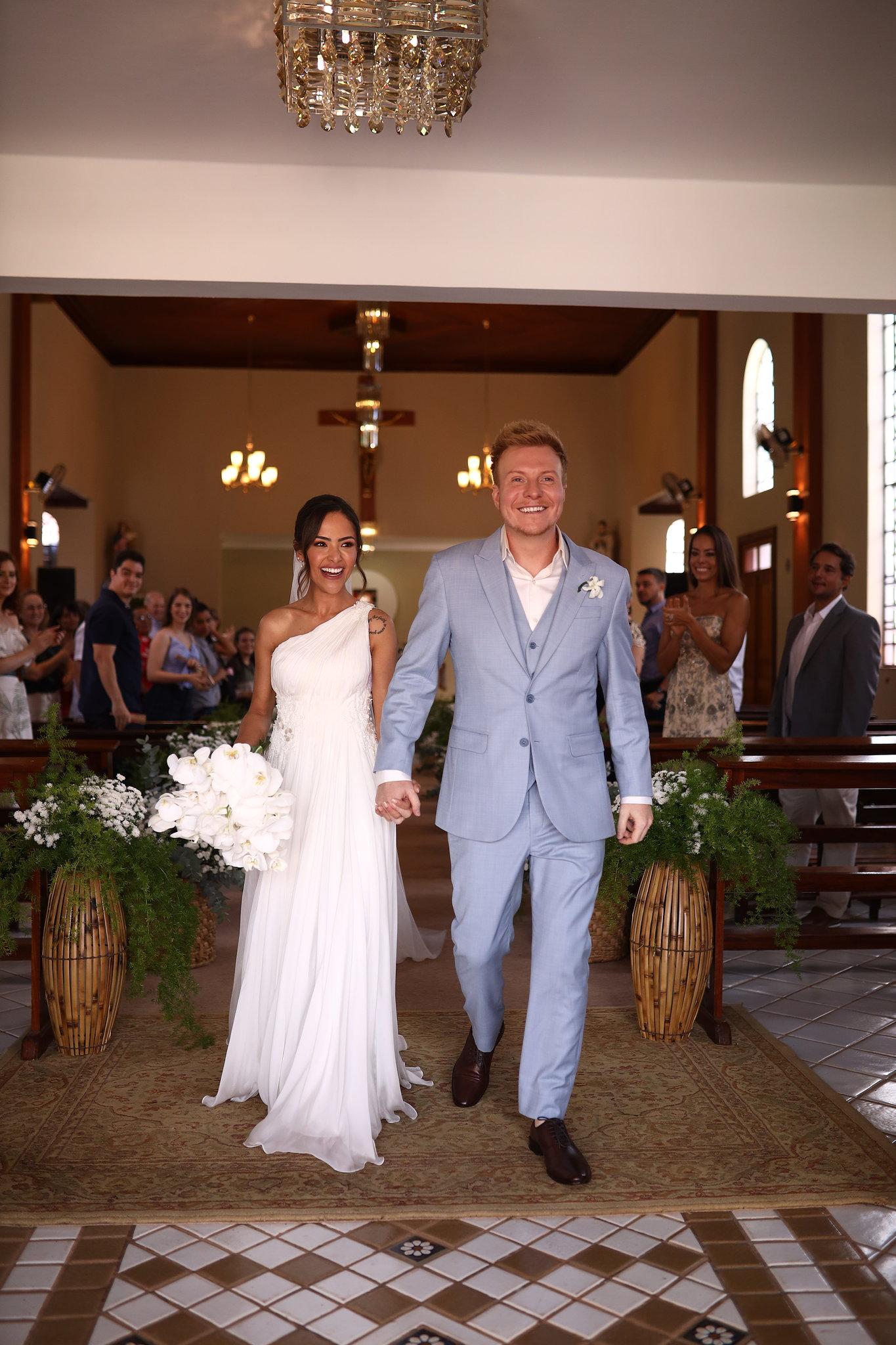 Gabi Luthai e Teo Teló adiam casamento com medo de pandemia