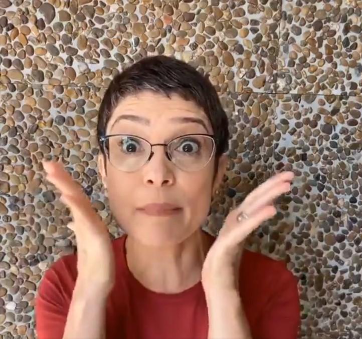 Sandra Annenberg nega abraço a fã por causa do coronavírus: 'Primeira vez!'