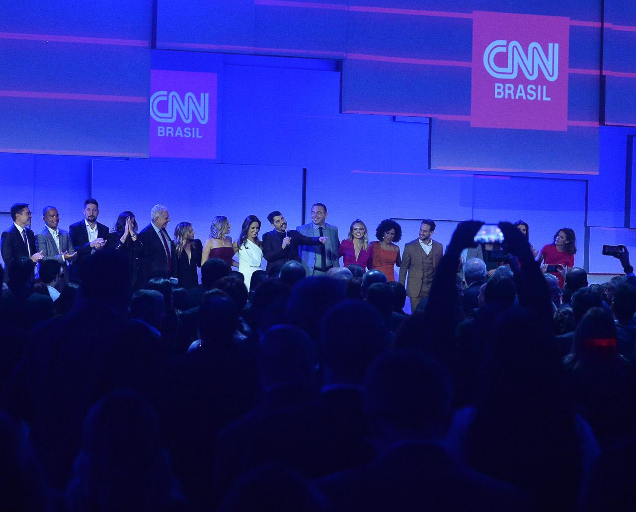 Monaliza Perrone, Evaristo Costa, Reinaldo Gotino e mais famosos participam do lançamento da CNN Brasil