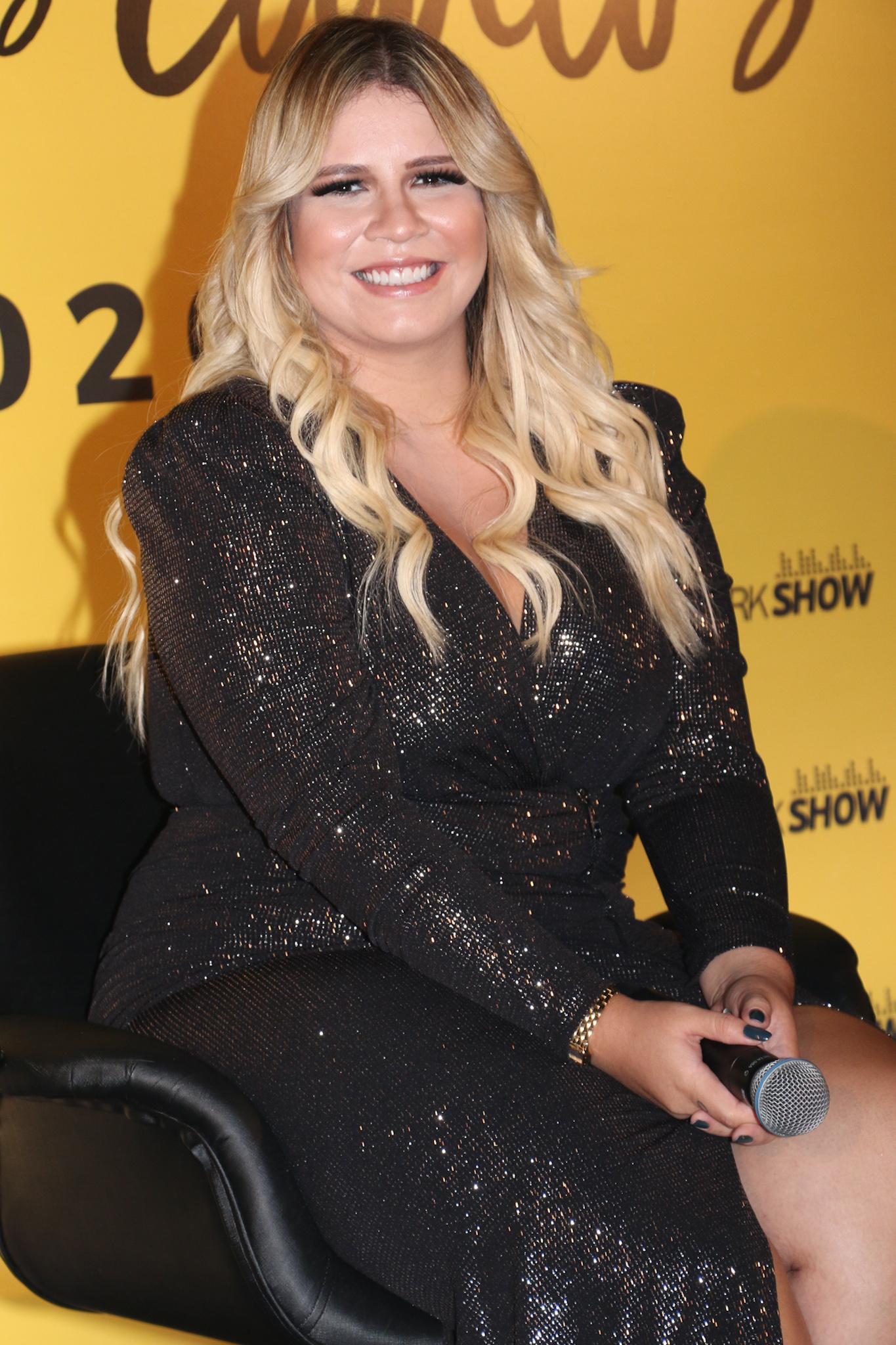 """Marília Mendonça admite ter se sentido feia durante gravidez """"insegurança demais, já tinha ficado mais gorda"""""""