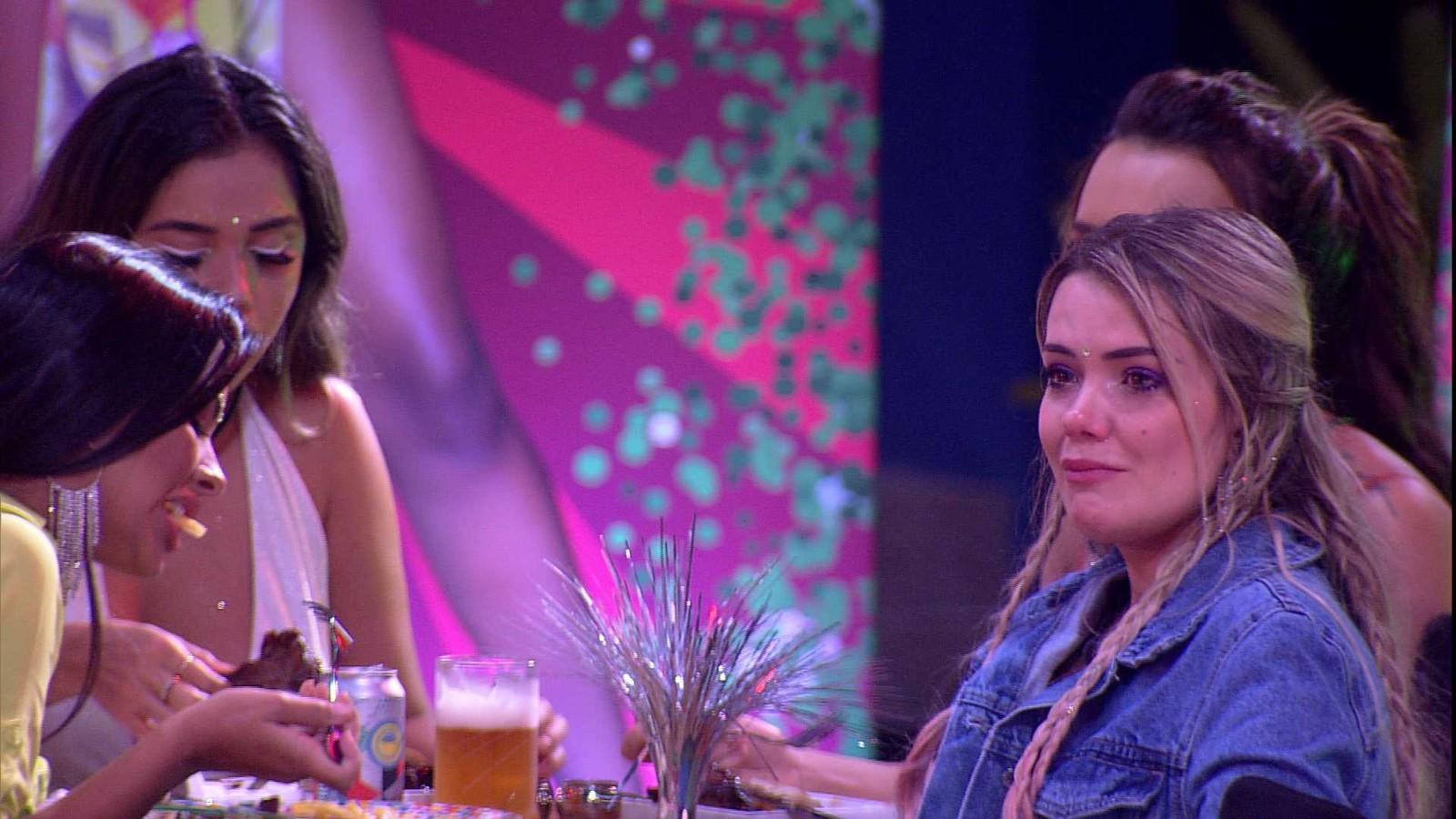 Marcela chora saída de Daniel: 'Está muito difícil!'