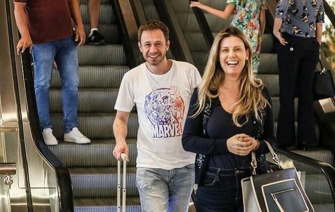 Tiago Leifert conta que será pai: 'Escondo muito bem!'