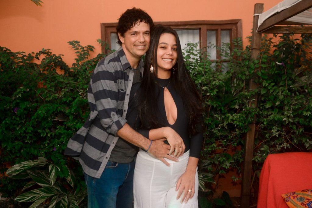 Jorge Vercillo e a esposa, Martha, grávida de 6 meses - Foto Webert Belicio/ Agnews