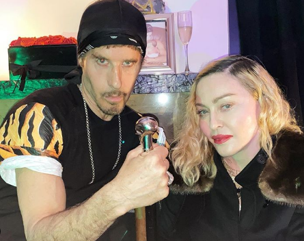 Steve e Madonna na festa