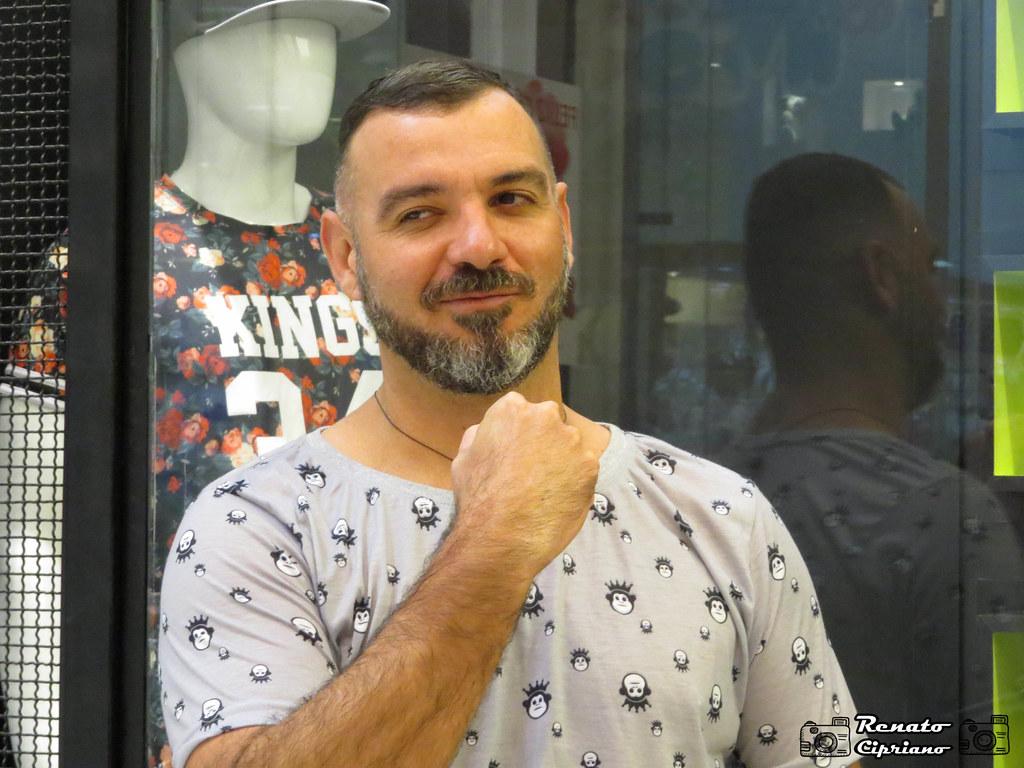 """Ex BBB vende seus bens para sobreviver a crise """"Contas atrasadas"""""""
