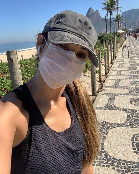 """Depois de 90 dias, Patrícia Poeta vai a rua se exercitar """"É permitido aqui"""""""