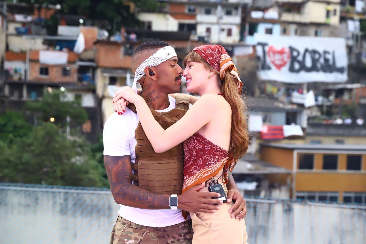 Nego do Borel recebe carinho de Duda Reis durante Live Solidária