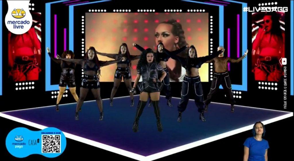 Glória Groove inova em live com dançarinos virtuais