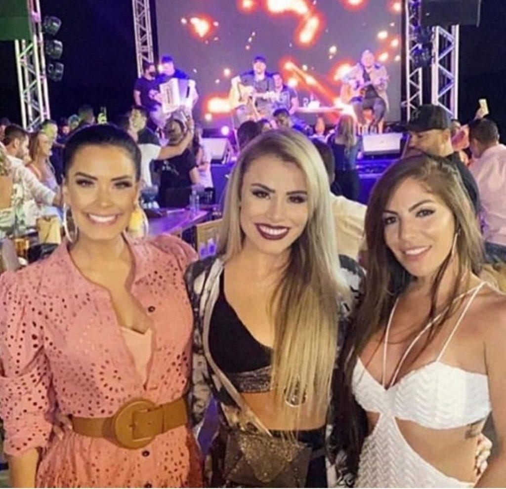 Ivy, Aline e Anamara em festa clandestina em meio a pandemia