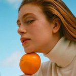 Após escândalo político, laranja vira febre entre famosas