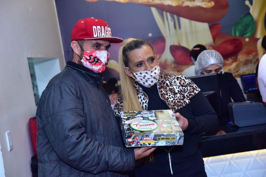 Entrega de pizzas em Pirituba. Foto: Leo Franco/AgNews