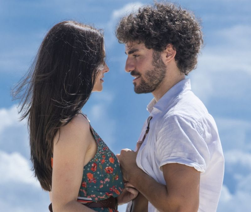 Juliana Paiva e José Condessa em Salve-se Quem Puder