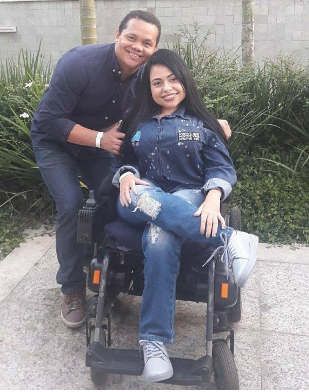Influencers lamentam morte de blogueira cadeirante por Covid-19