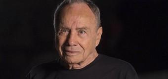 """Com 87 anos e demitido da Globo, Stenio Garcia revela depressão """"Tenho tomado remédios para dormir"""""""