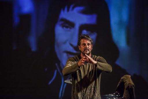 Teatro transmitirá peças ao vivo a preços populares