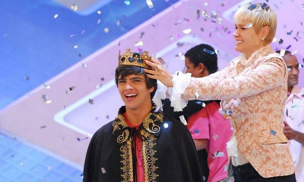 Bernardo vencendo o concurso para interpretar príncipe de Sasha