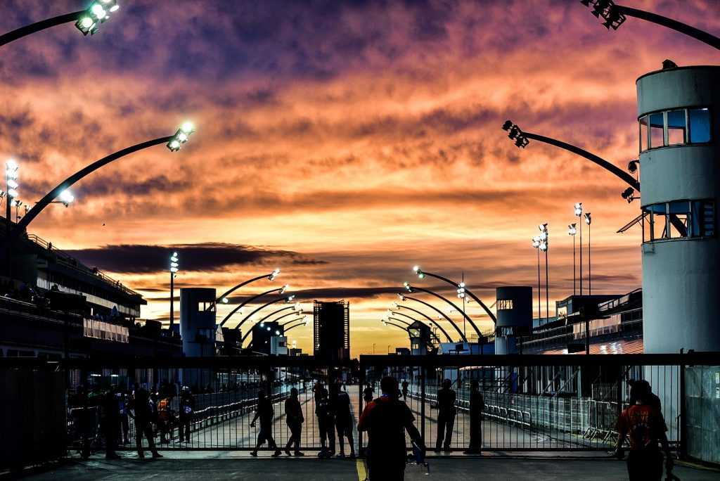 Foto da concentração do sambódromo de SP - Foto: Leo Franco