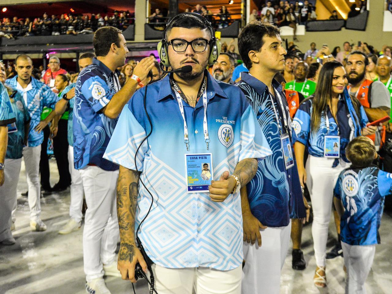 Conheça o jovem Luiz Guimarães, que segue os passos do pai na gestão da Vila Isabel