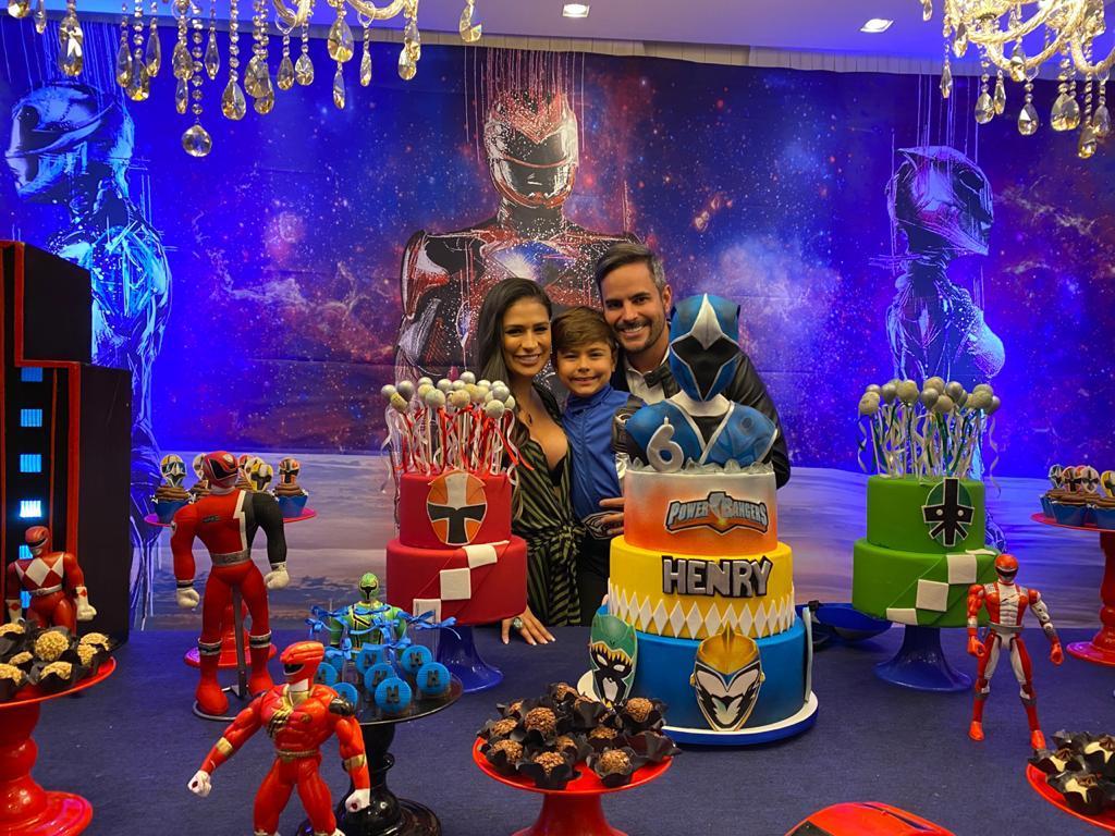 Com festa adaptada, Simone comemora aniversário do filho, Henry