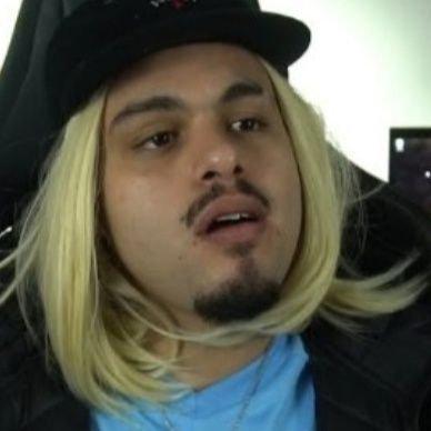Record se retrata após associar imagem de youtuber a pedofilia