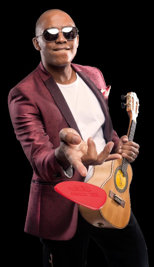 Sem shows, cantor Salgadinho vira professor de cavaquinho durante a quarentena