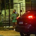 Manu Gavassi deixa prédio nos Jardins. Foto: AgNews
