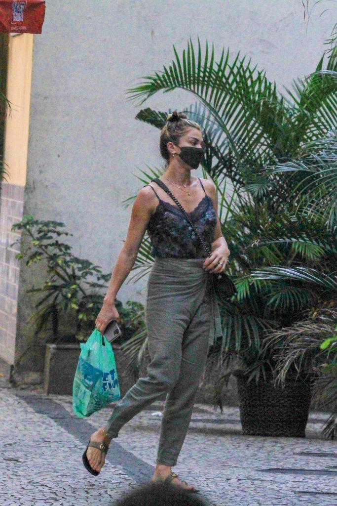 Grazi Massafera faz compras na zona sul do Rio de Janeiro - Foto JC Pereira/ Agnews