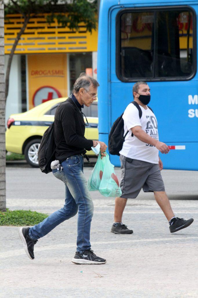 """Mario Gomes justifica xixi na rua """"Ia fazer na calça"""""""