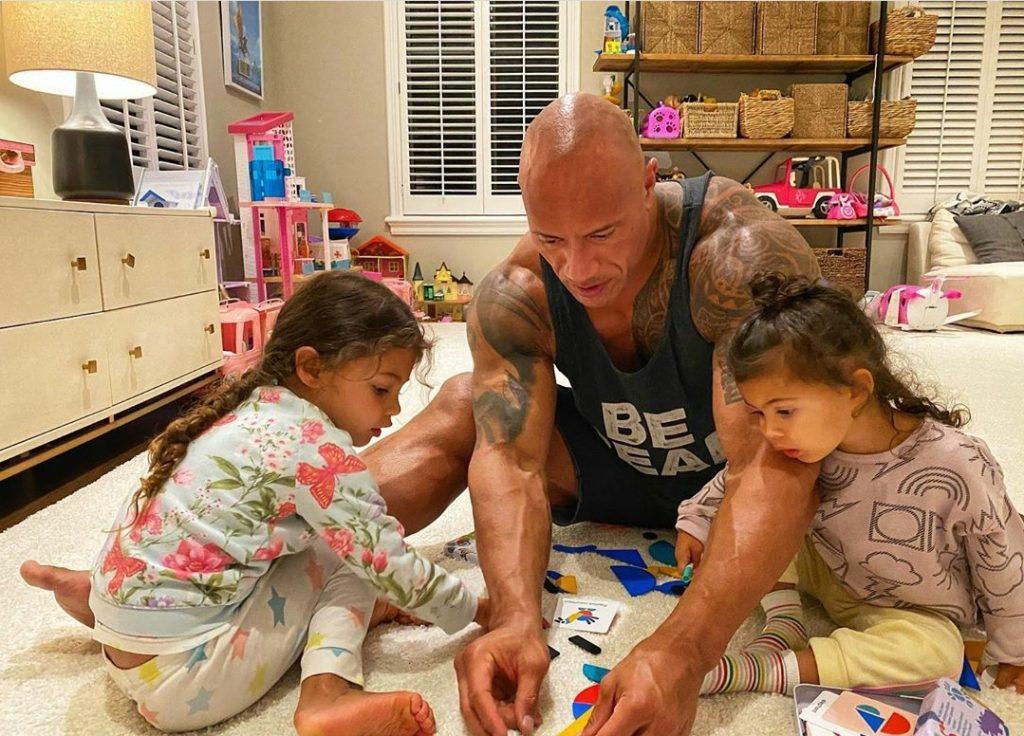 The Rock com as filhas