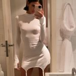 Bruna Marquezine se irrita com opiniões de fãs sobre visual e aparece de vestido justissimo