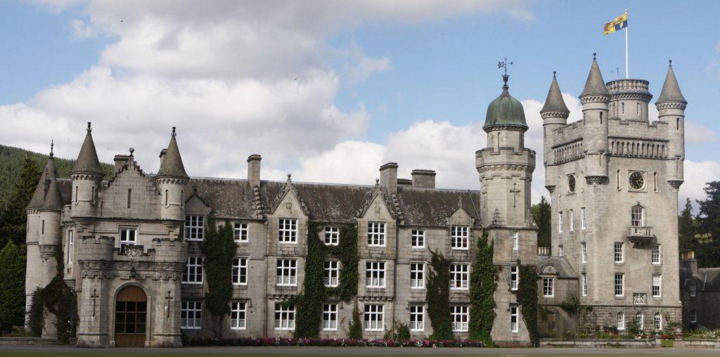 Castelo de Balmoral na Escócia, uma das propriedades da família real