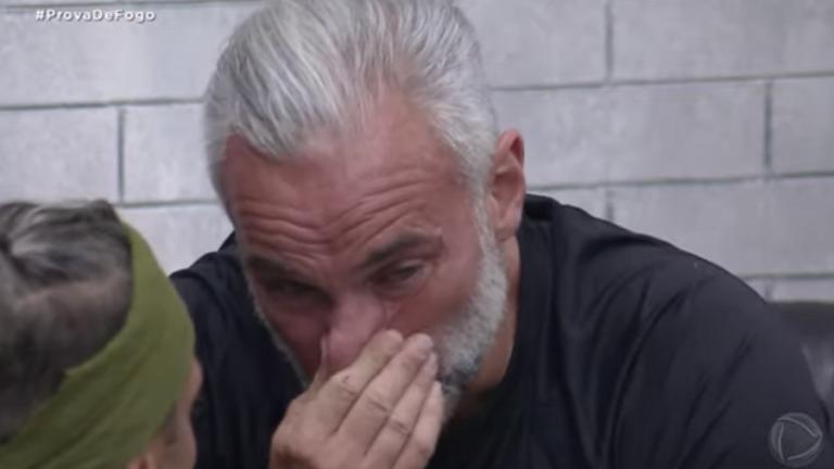 Mateus Carrieri chora por perder prova