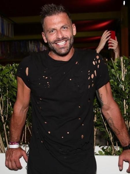 """Henri Castelli revela real motivo que o tirou do """"Dança dos Famosos"""""""
