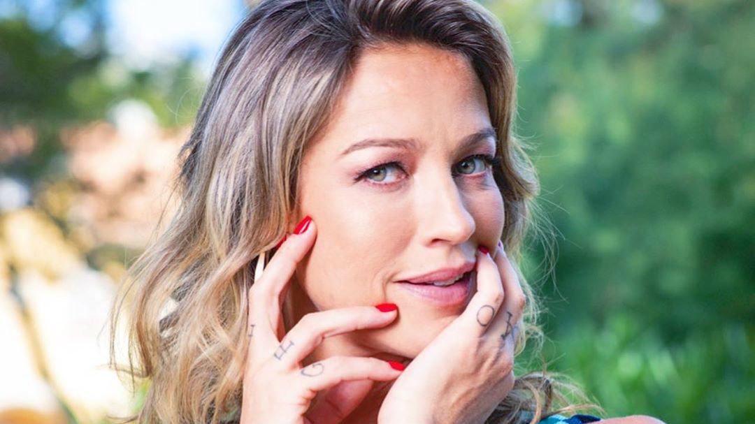 "Após ""dar jeitinho"" pra não usar máscara, Luana Piovani testa positivo para o Covid19"