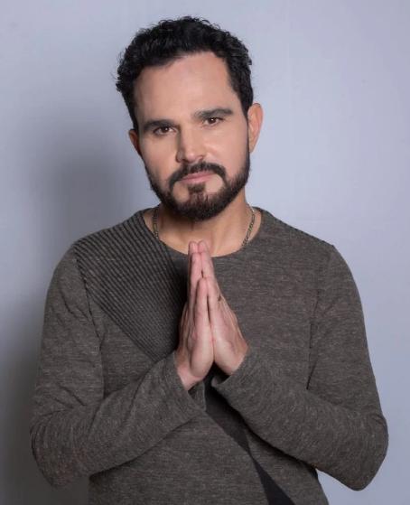 Luciano Camargo investe em músicas gospel para carreira solo