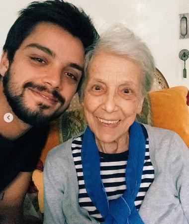 Rodrigo e Felipe Simas lamentam morte da avó