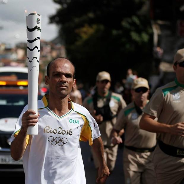 Sylvio Neto participou do revesamento da tocha olimpica no rio 2016