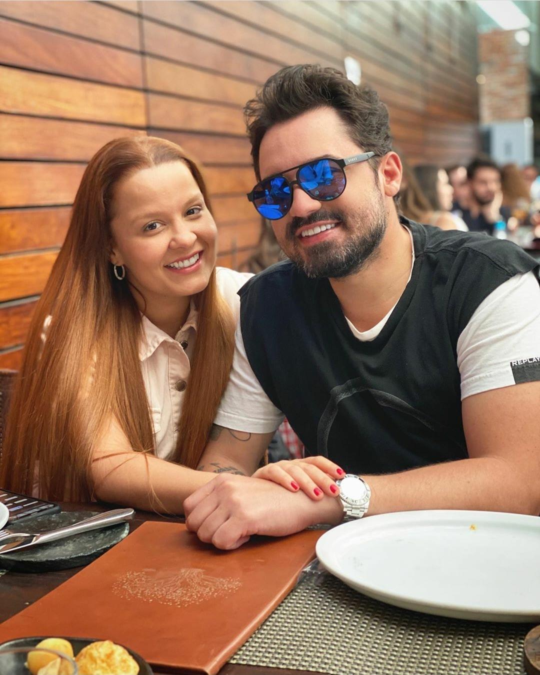 Maiara e Fernando reatam namoro, pela sétima vez