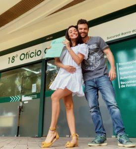 Grávida, Talita Younan se casa com filho de Regina Duarte