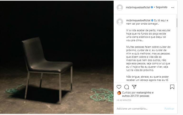 Mc Brinquedo faz post enigmático e fãs se preocupam
