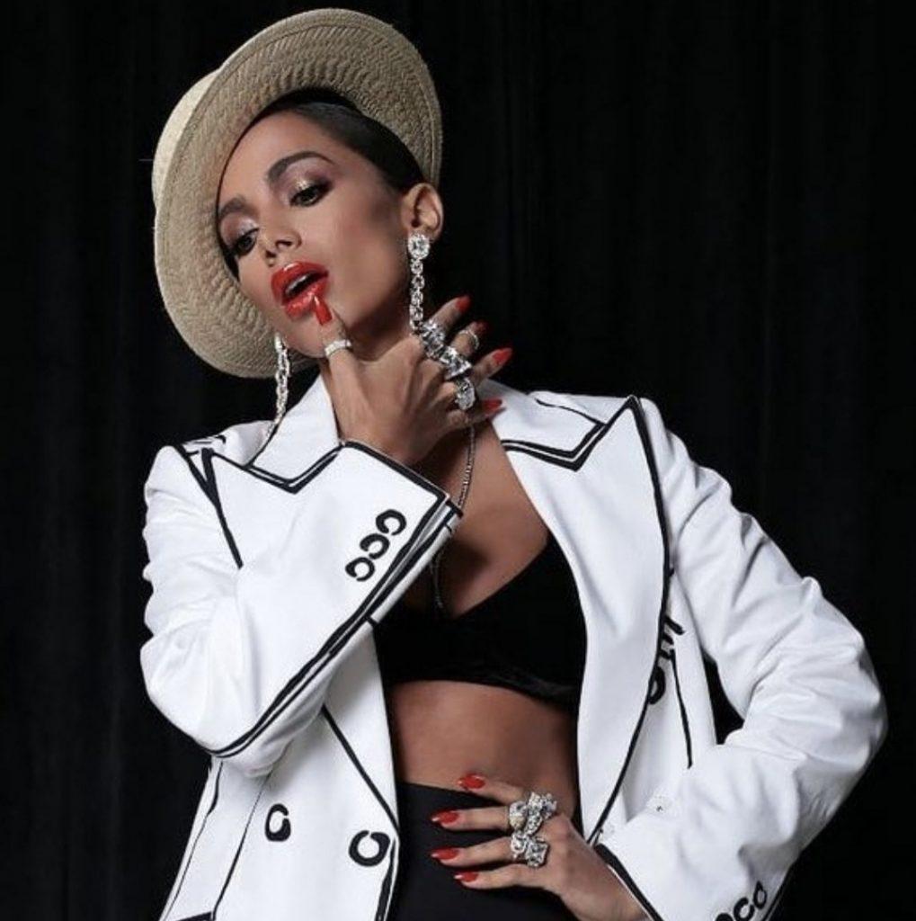 Anitta faz bela apresentação mas não leva prêmio no Grammy Latino