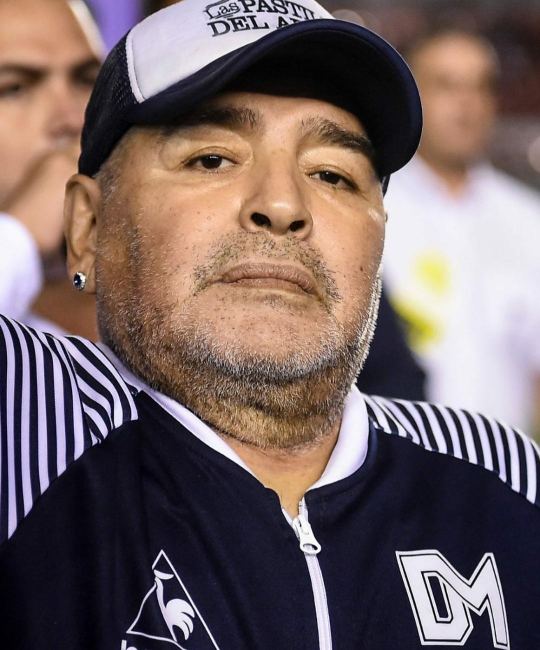 Laudo de autópsia revela causa da morte de Maradona