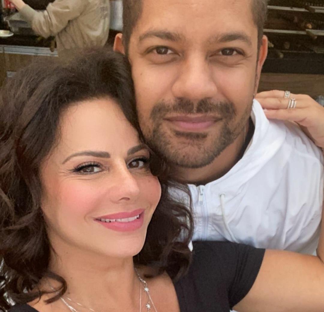Viviane Araújo e Guilherme Militão comemoram um ano de namoro