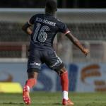 Elza Soares, Pixinguinha e mais personalidades negras são homenageadas por time de futebol