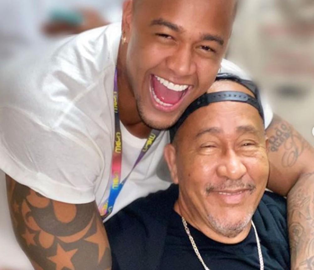 Léo Santana fala sobre a morte do pai: 'Descanse em paz'