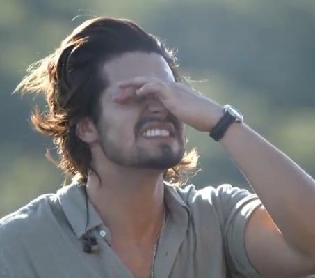Luan Santana se emociona em live direto do Pantanal