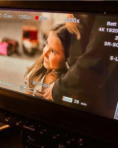 Filha de Deborah Secco estreia como atriz