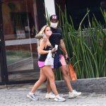 Gabi Martins e Tierry deixam academia abraçados em São Paulo
