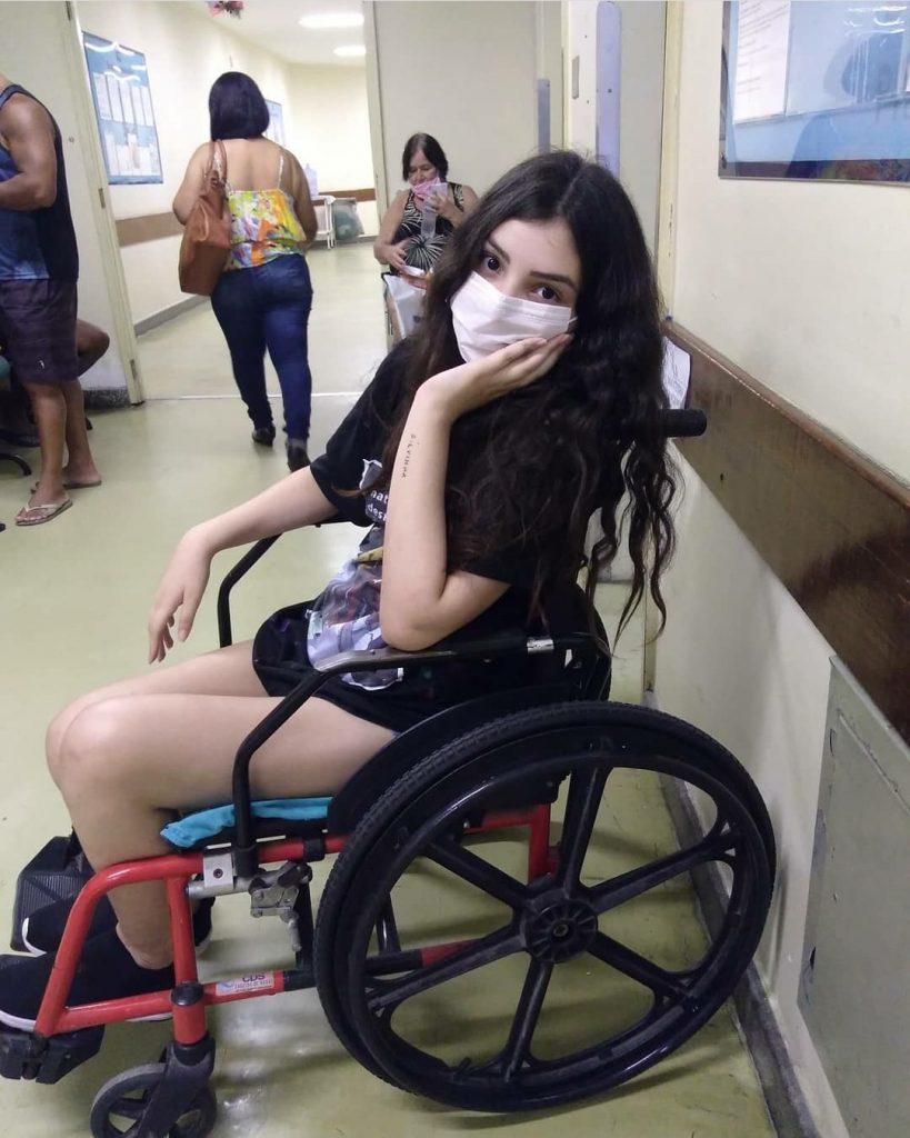 Amiga pede ajuda para atriz com doença grave e sem cura