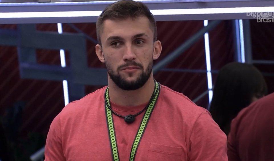 BBB21: Arthur Picoli dispara críticas contra times de futebol